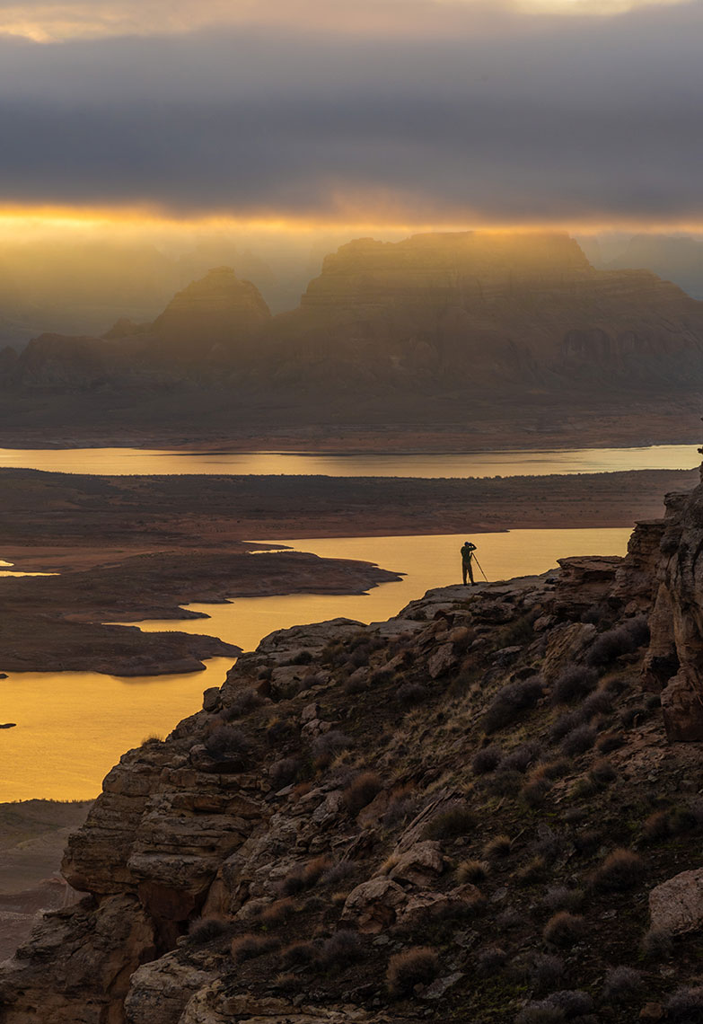 Camping, Lake Powell, Adventure Sunrise Photoshoot, Lifestyle Photographer, Daniel Britton