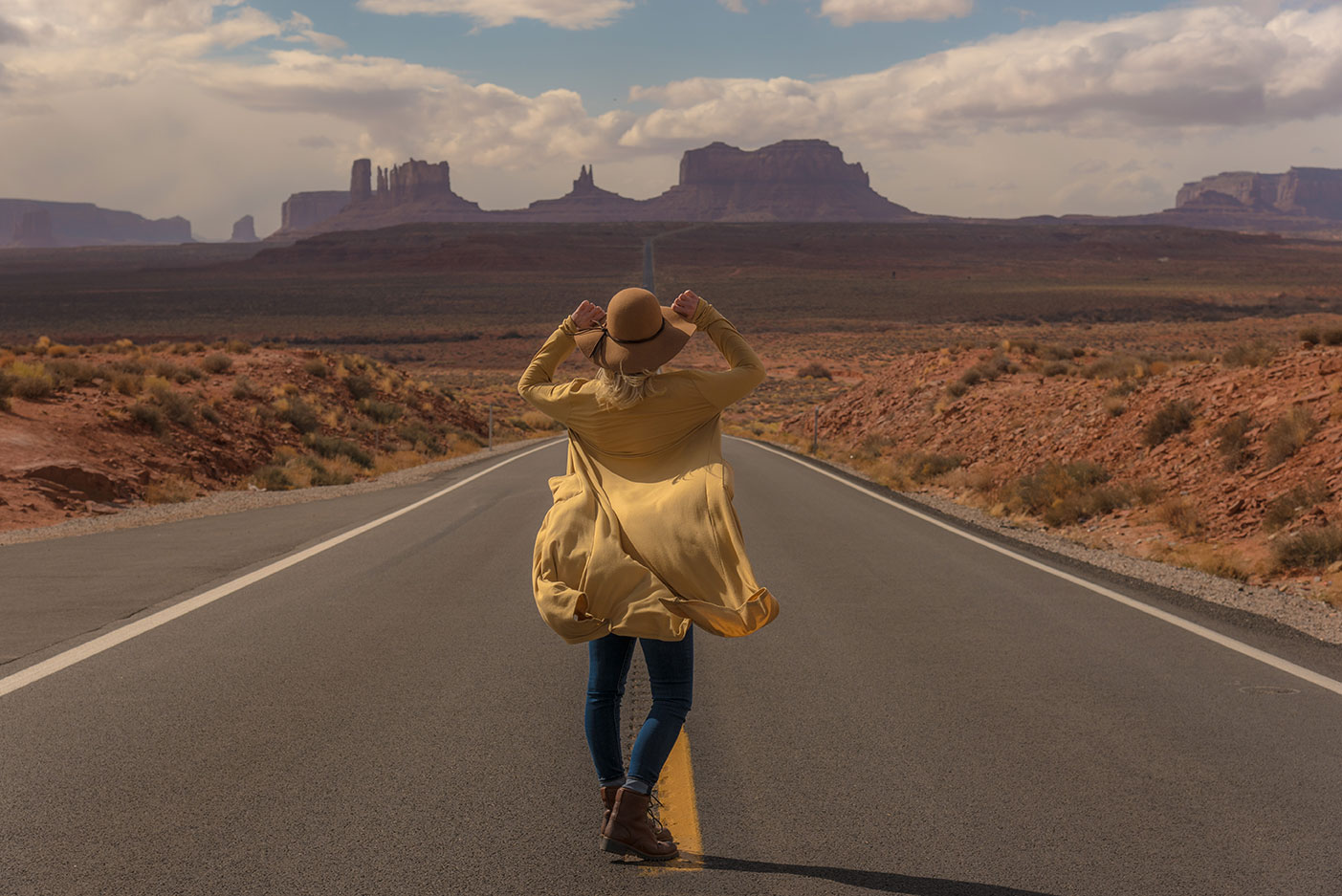 Monument Valley, Arizona, Where to Explore Next Photoshoot, Lifestyle Adventure Photographer Daniel Britton